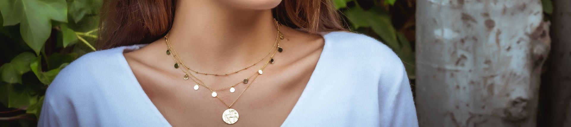 Necklaces in gold
