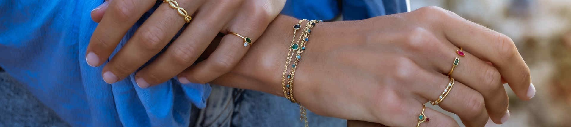 Bracelets in gold